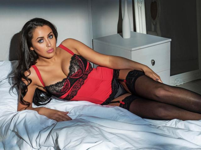Marnie Simpson Hot Pictures