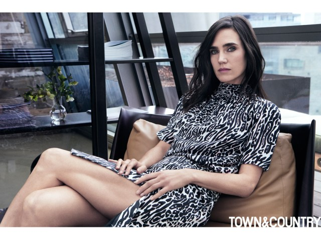 Jennifer Connelly Sexy Legs