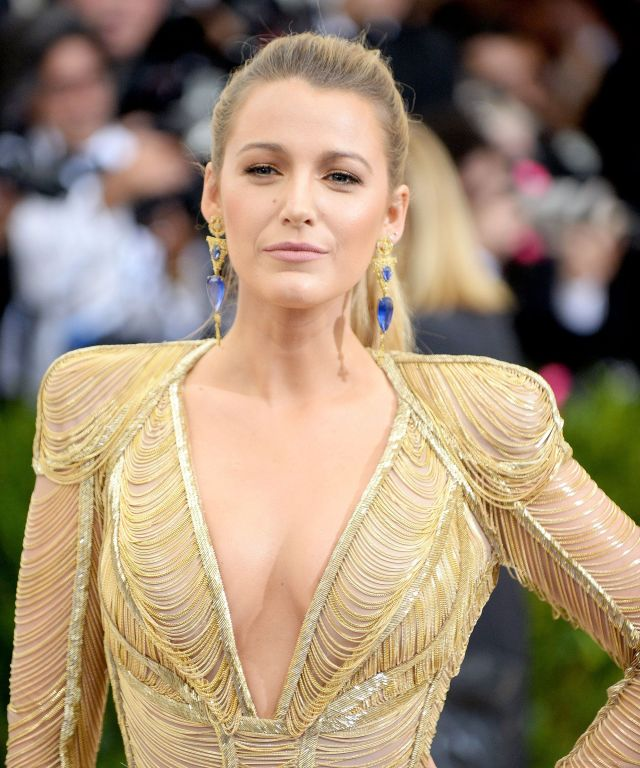 Blake Lively Cleavage Show