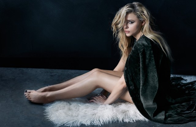 Chloe Grace Moretz Hot Photoshoot