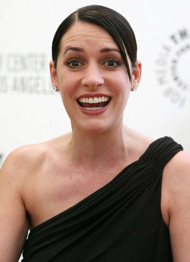 paget brewster sexy look