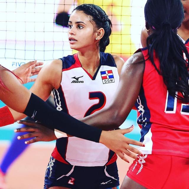 Who Is Winifer Fernandez? Her Age, Height, Her Volleyball
