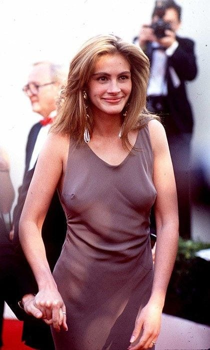 julia roberts bra less
