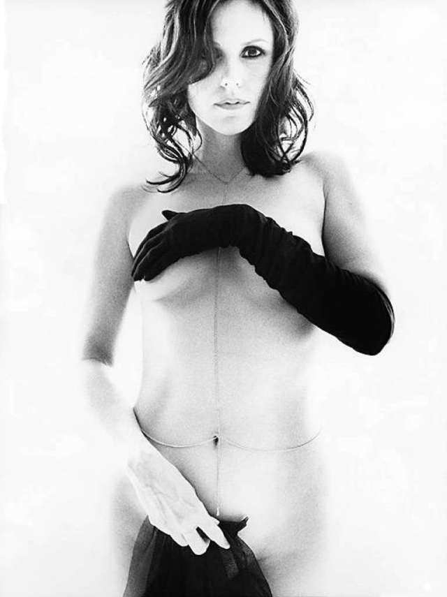 Mary-Louise Parker Hot Photoshoot