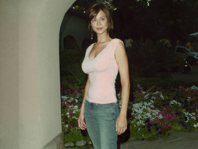 Catherine Bell Hot