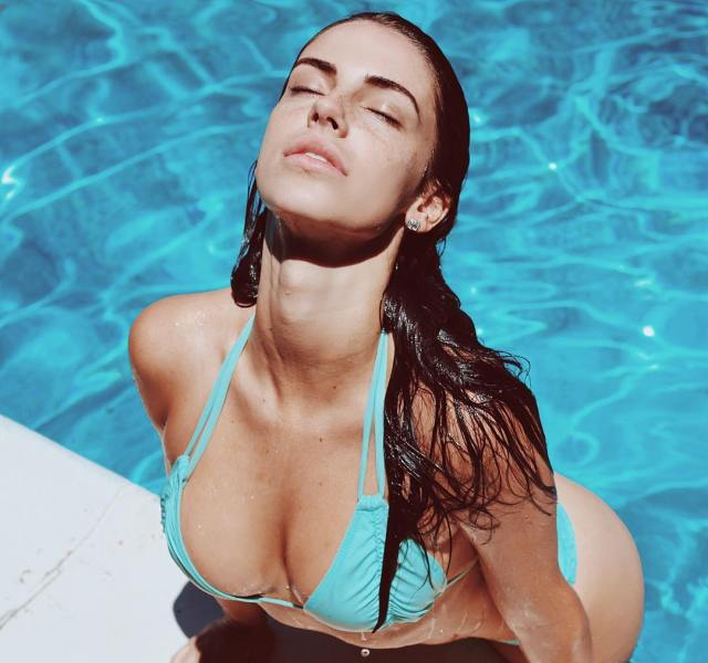 Jessica Lowndes on Swimming