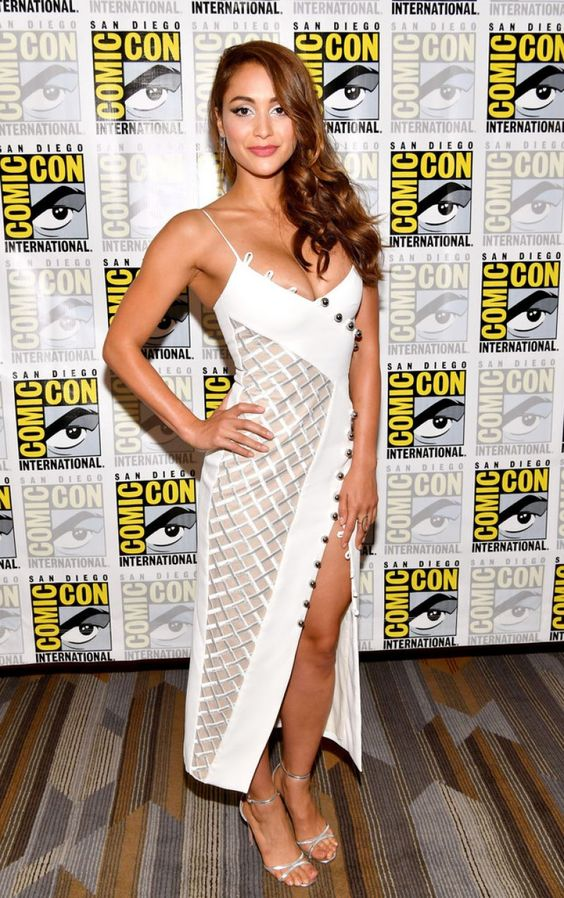 Lindsey Morgan Hot Pictures