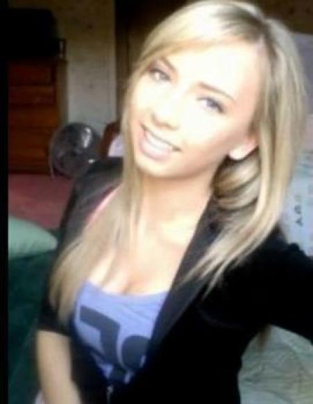 hailie mathers pretty look