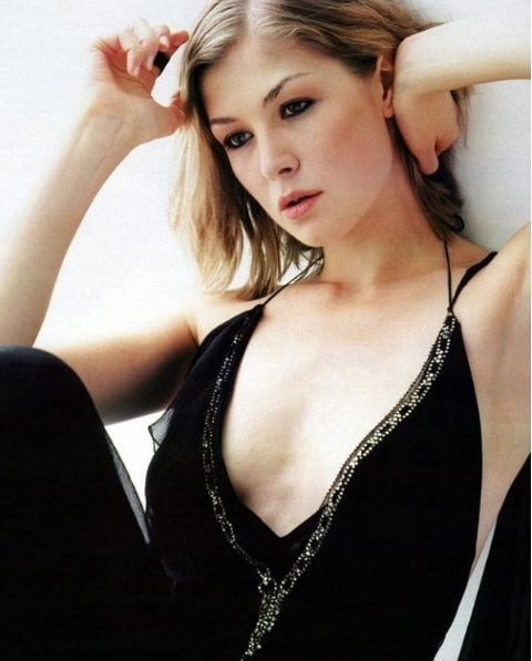 rosamund pike hot cleavage