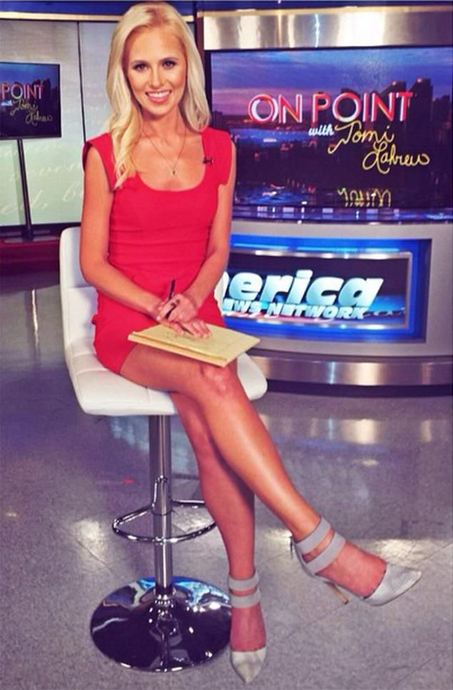 tomi lahren feet pictures