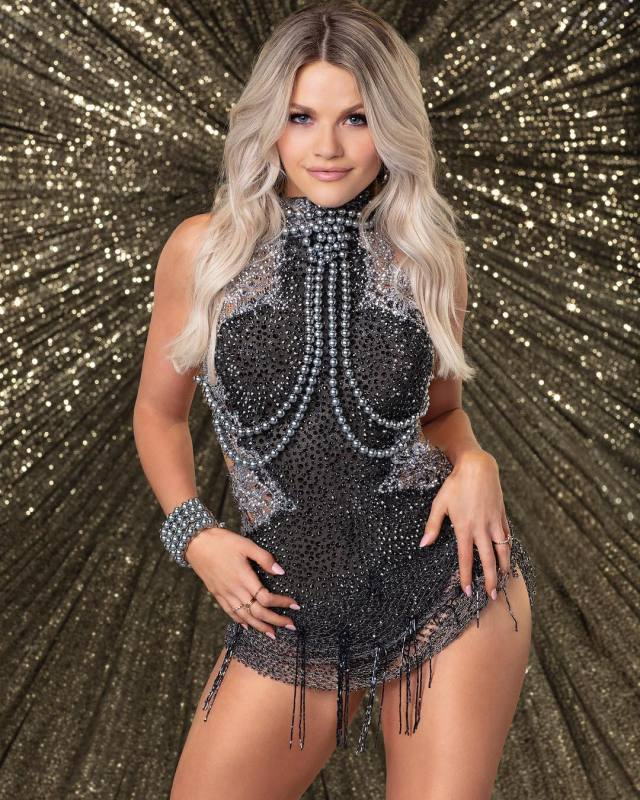 witney carson feet pictures