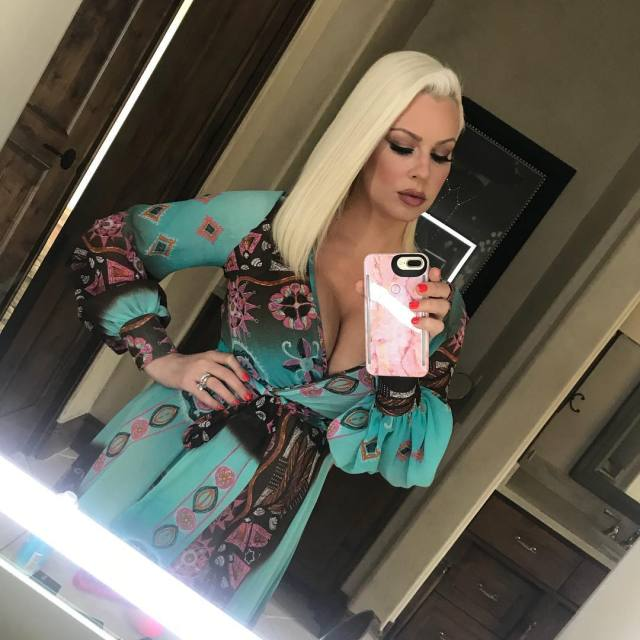 Maryse Ouellet Proves beautiful picturesa