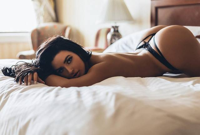 abigail-ratchford- beautiful pictures
