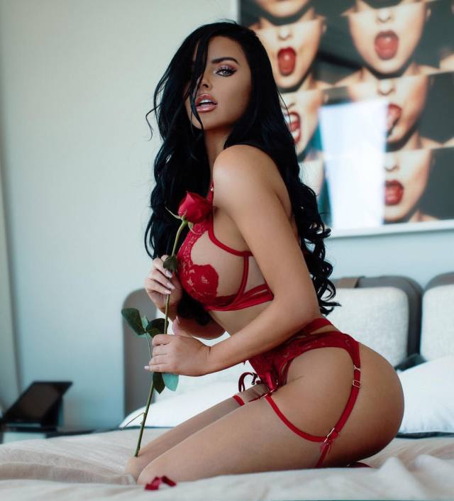 abigail-ratchford- sexy pictures