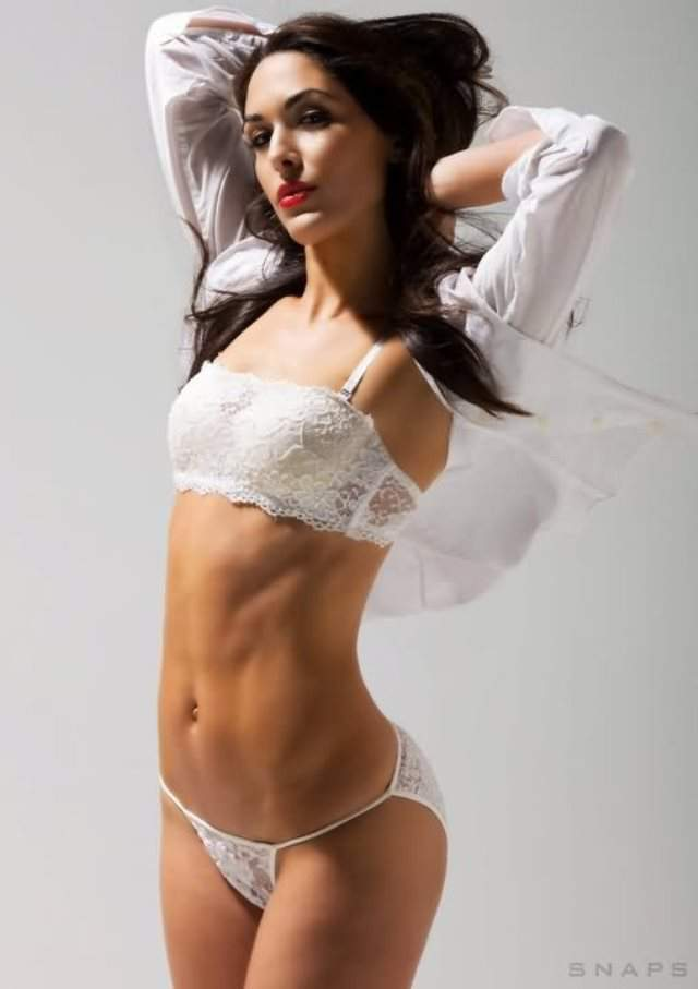 brie bella hot body