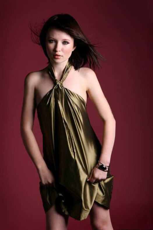 emily browning sexy pictures