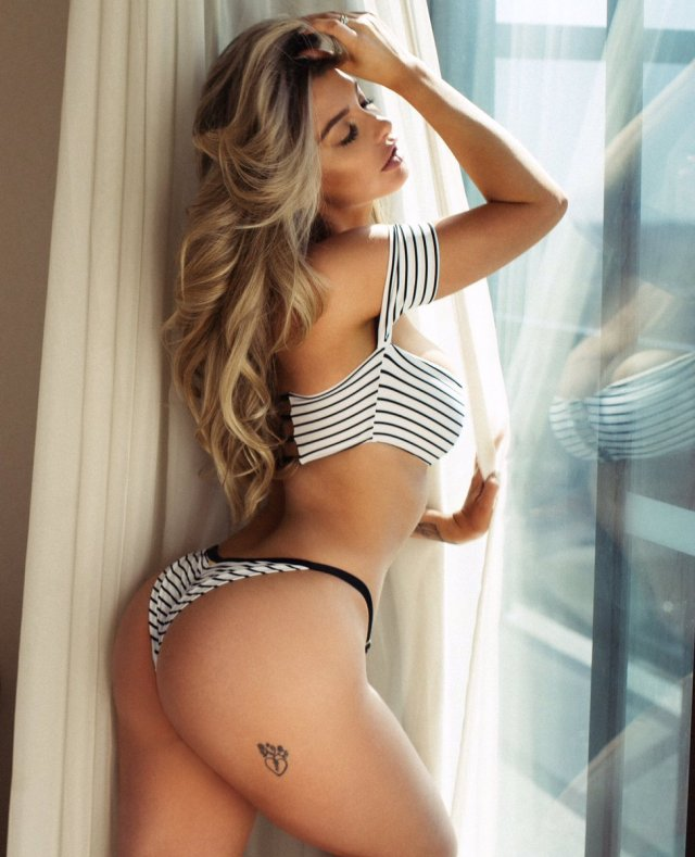 emily sears awesome ass pictures
