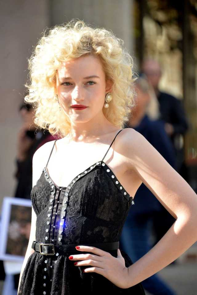 julia garner awesome
