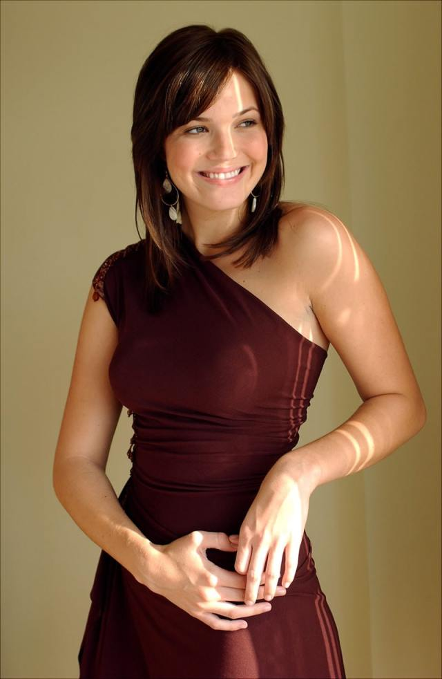 mandy moore gorgeous