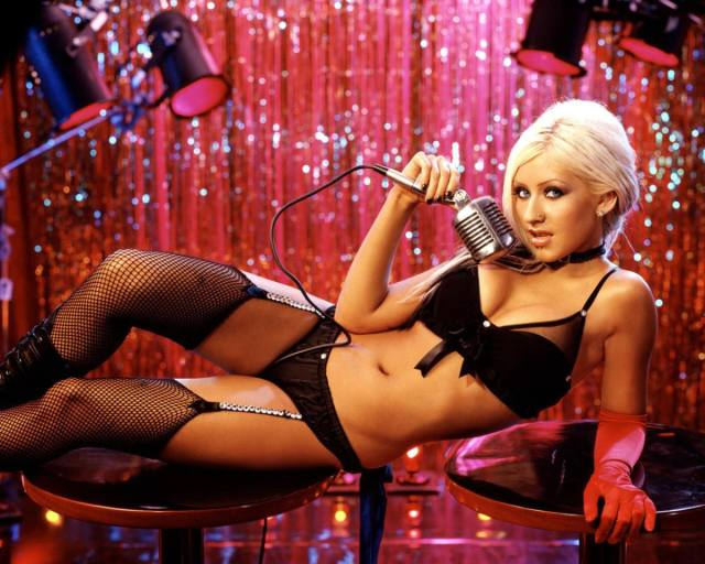 Christina Aguilera sexy pictures