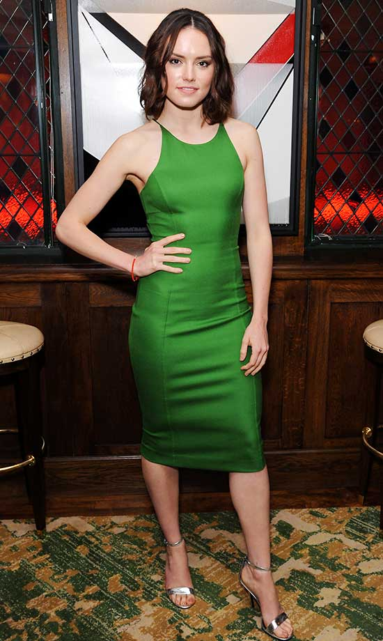 Daisy Ridley Hot in Green Dress