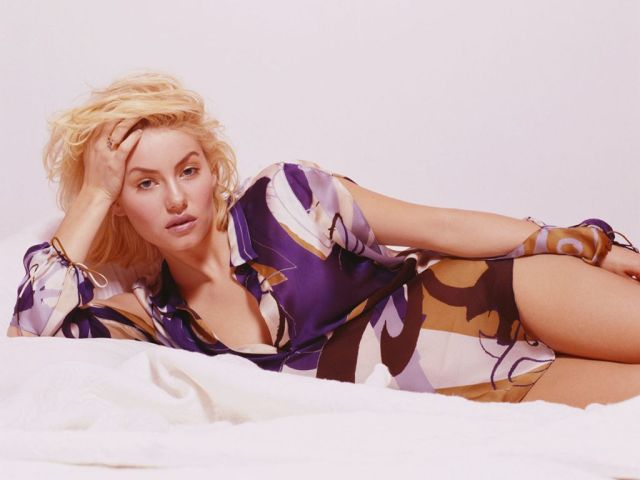 Elisha Cuthbert very hot picture