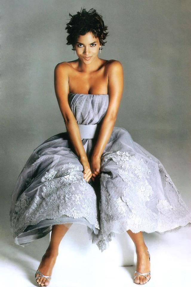 Halle Berry Sexy Feet in high heels