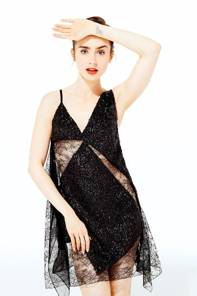 Lily Collins awesome pic (2)
