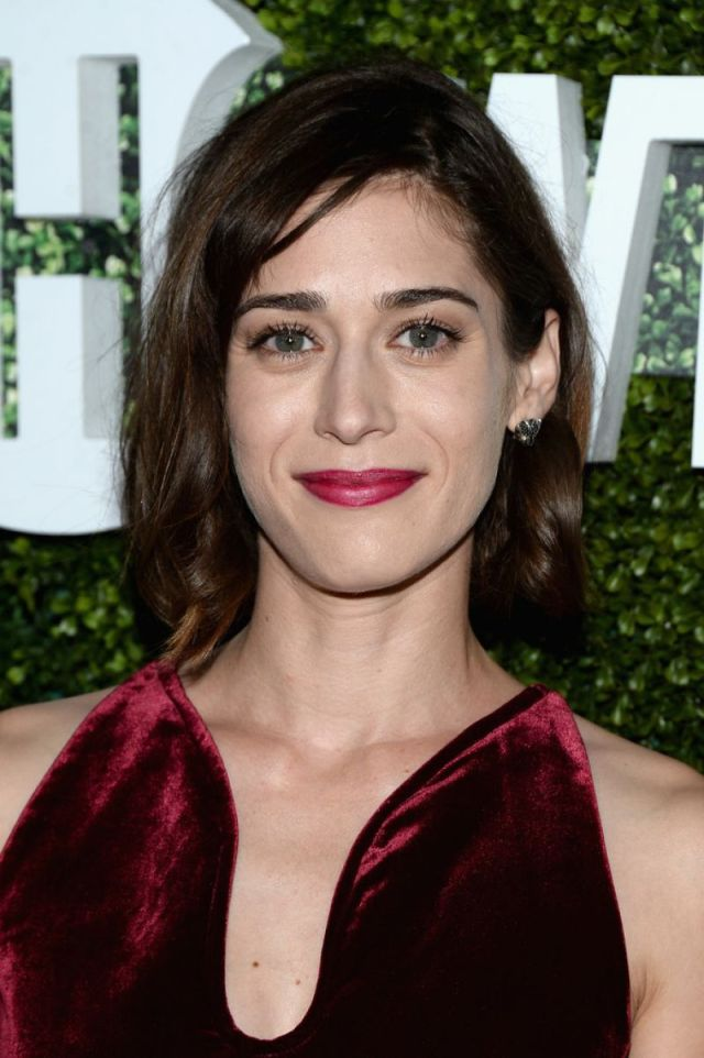 Lizzy Caplan Red Lips