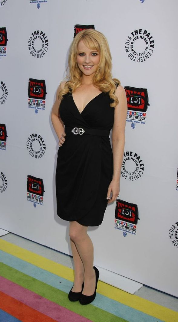 Melissa Rauch feet beautiful pictures