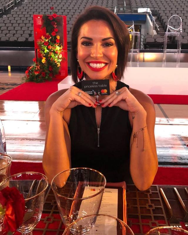 Melissa Rycroft on Reastaurant