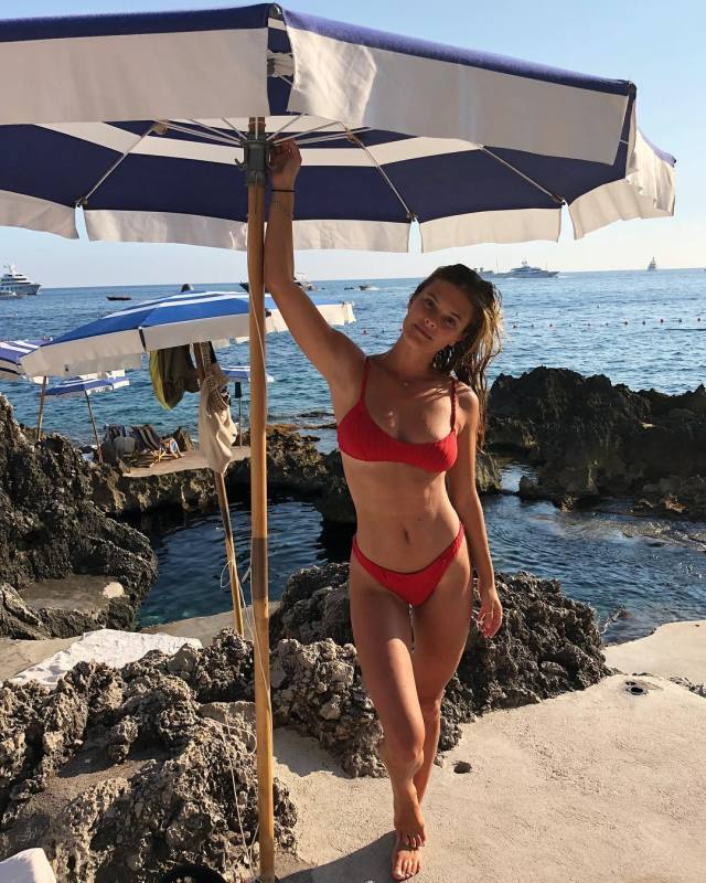 Nina Agdal hot p;ictures