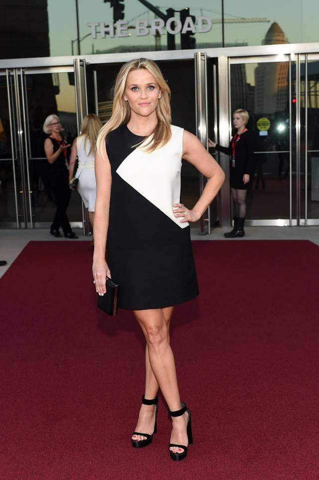 Reese Witherspoon feet awesome pics (2)