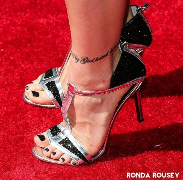 Ronda-Rousey-Feet awesome pic