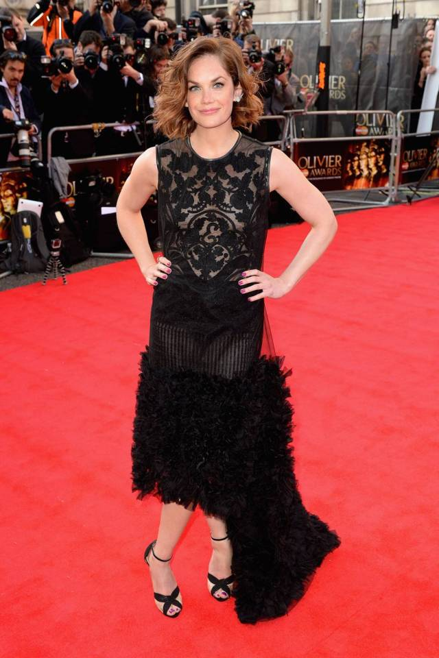Ruth Wilson hot in red carpet