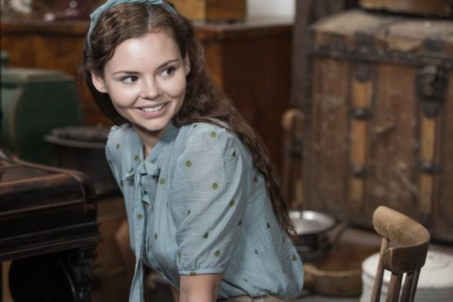 eline powell smile pictures