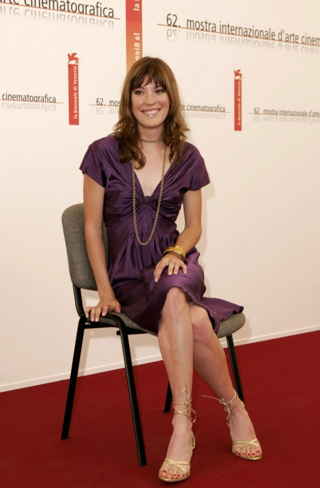 jennifer carpenter hot feet pics