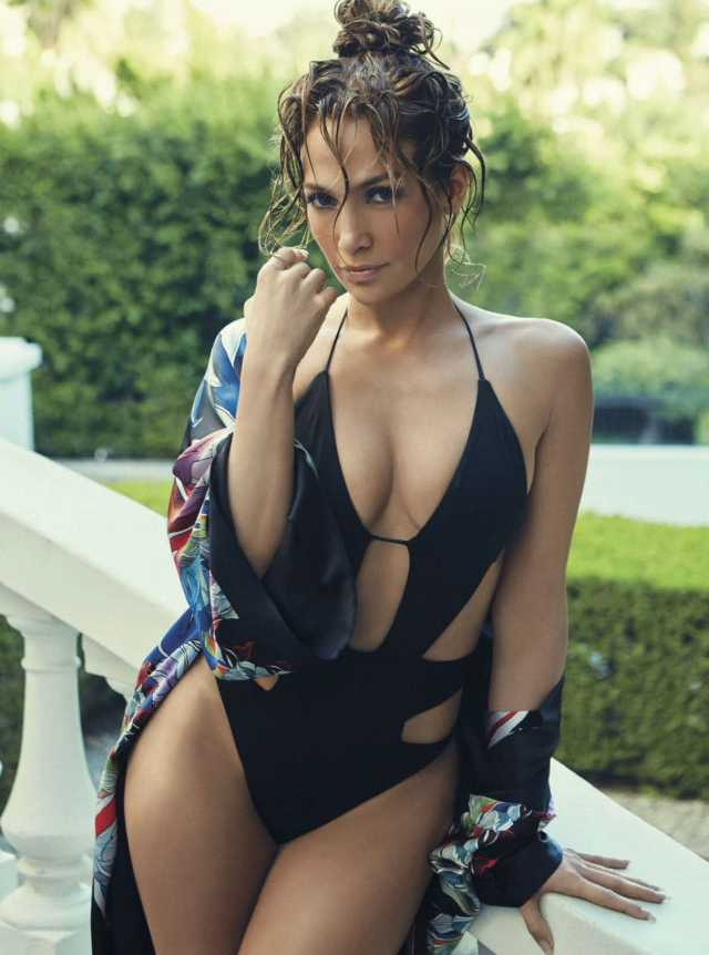 jennifer lopez cleavages