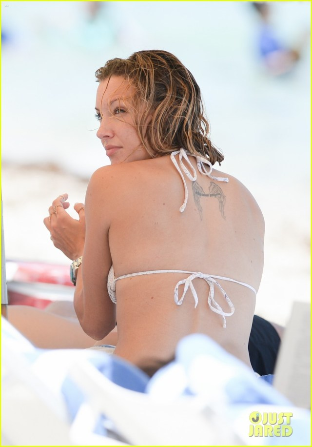 katie-cassidy-back-
