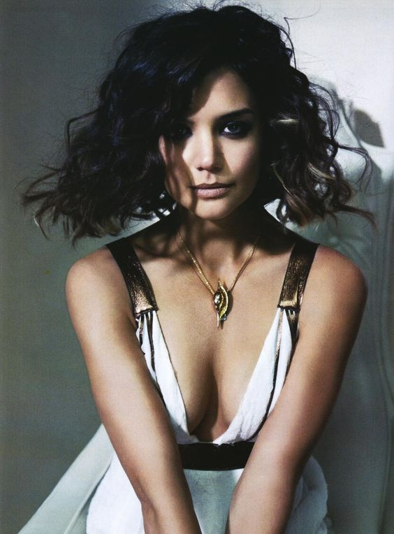katie holmes clavages sexy