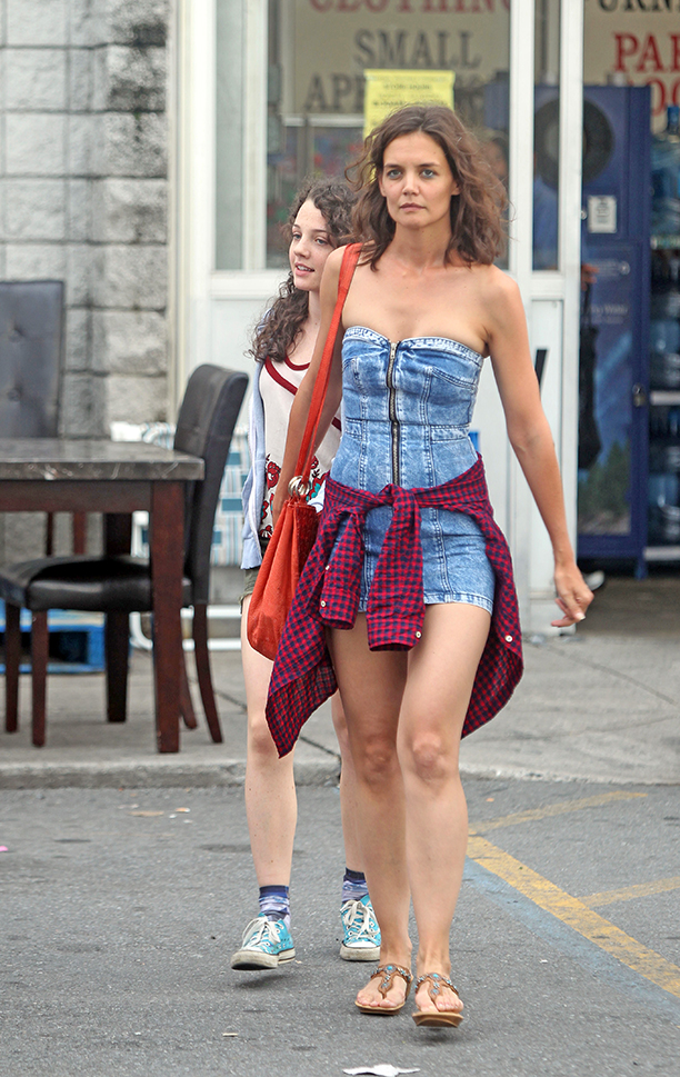 katie-holmes sexy pictures 1