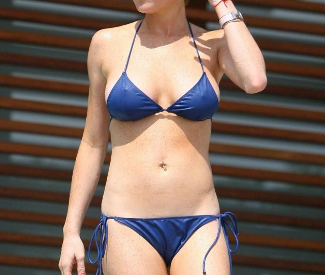 Hot Pictures Of Lindsay Lohan Which Will Make You Drool For Her