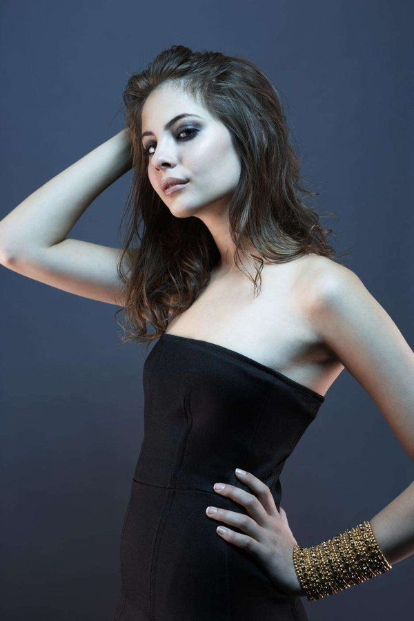 willa holland sexy pictures