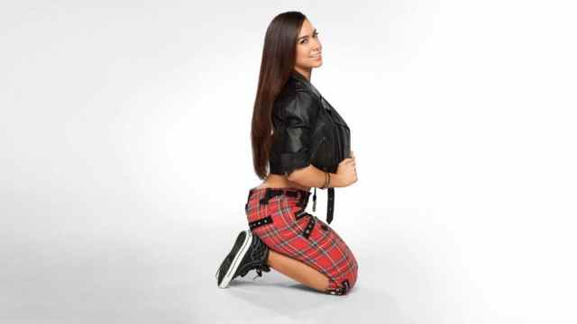 AJ Lee awesome pictures