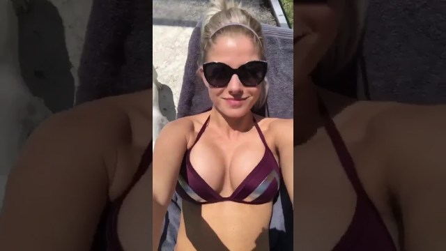 Alexa Bliss cleavages (2)