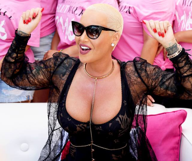 Amber Rose sexy booty