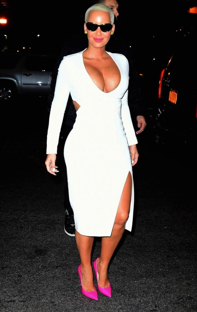 Amber Rose sexy busty pic