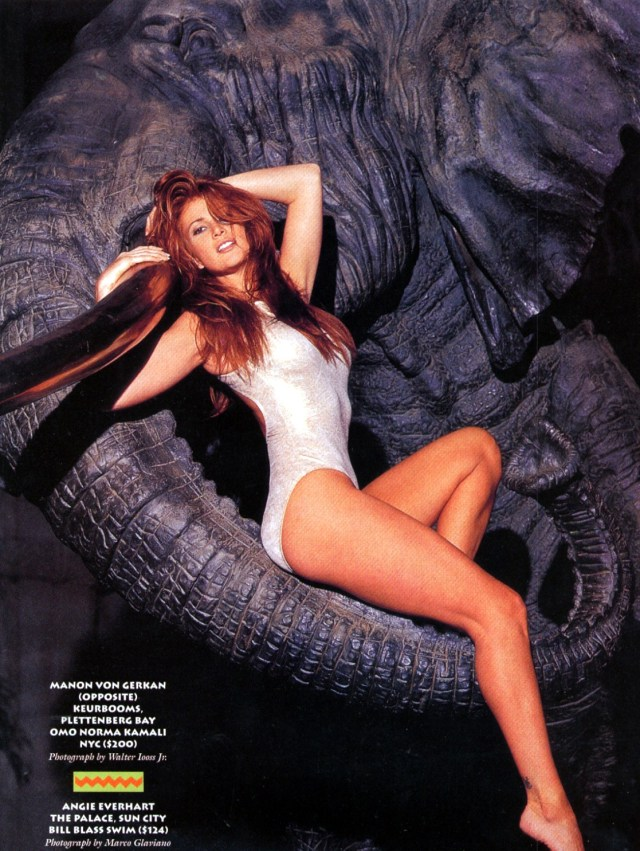 Angie Everhart hot thighs pic