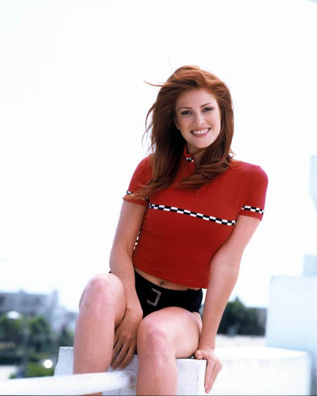 Angie Everhart sexy in red pic