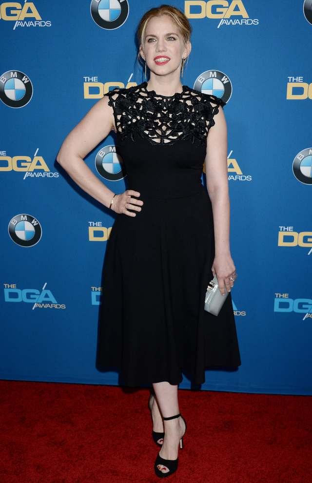 Anna Chlumsky hot look pic